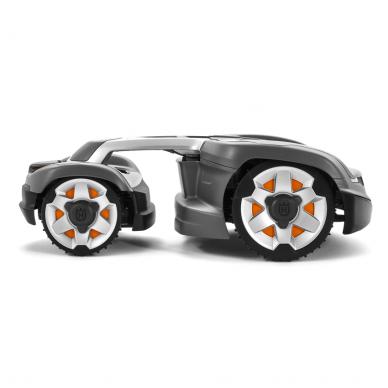Robotas VEJAPJOVĖ HUSQVARNA AUTOMOWER® 435X AWD 3